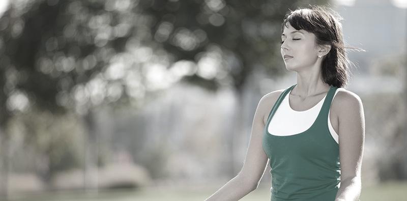 Woman Meditatinginline image 800 bw